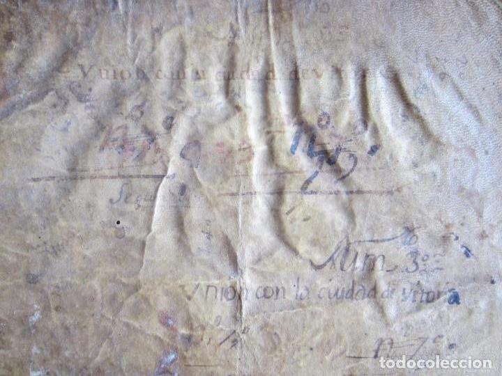 Manuscritos antiguos: 1633-CARTA DE UNIÓN DE LA VILLA DE BERNEDO CON LA CIUDAD DE VITORIA.ÚNICO.COMPLETO EN PERGAMINO. - Foto 3 - 125906095