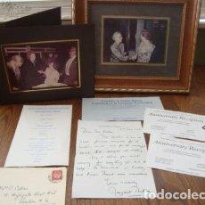 Manuscritos antiguos: CARTA ESCRITA, FIRMADA Y FECHADA A MANO POR MARGARETH THATCHER EN 1983 CON FOTOS Y MAS DOCUMENTOS. Lote 131896378