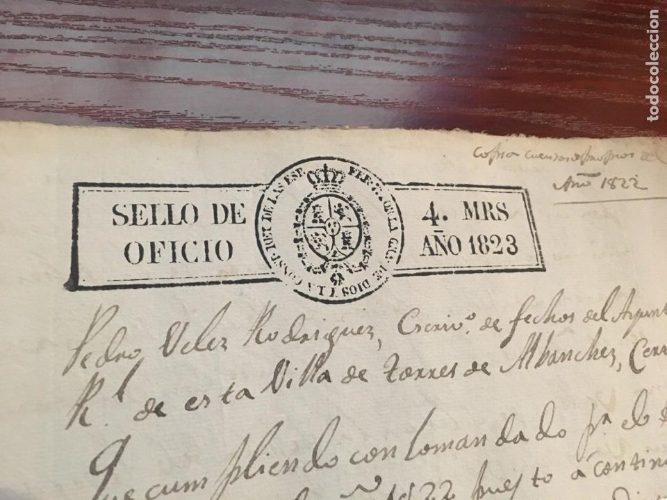 Manuscritos antiguos: FERNANDO VII 1823. Cabecera papel sellado o timbrado, sello despachos de oficio - Foto 2 - 160182182