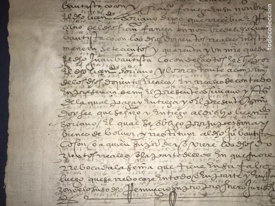 Manuscritos antiguos: VALLADOLID 1581. ESCRITURA DE PIEZAS DE PLATA DE LA DUQUESA DE FRANCAVILLA PODER DE JUAN BAUTISTA. - Foto 6 - 163951714