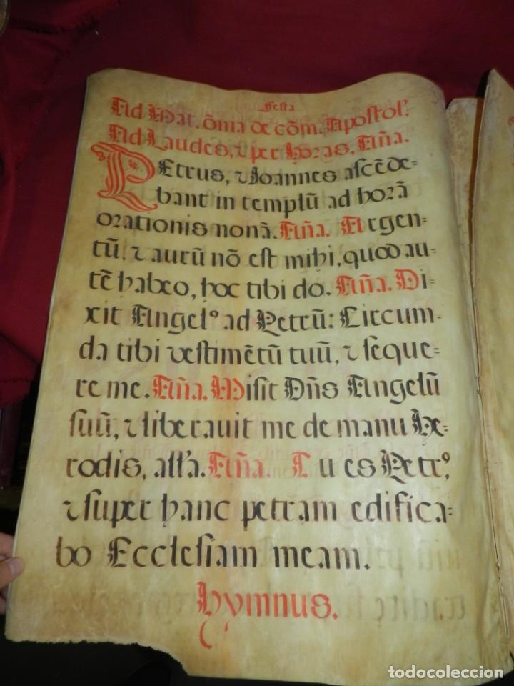 Manuscritos antiguos: (M) PERGAMINOS CANTORAL S.XVI PLIEGO DE 12 PÁG, GRAN TAMAÑO 66X48 CM - Foto 5 - 180922741