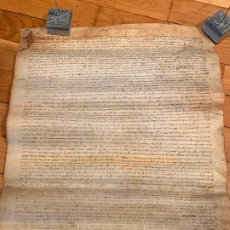 Manuscritos antiguos: MUY ANTIGUO PERGAMINO,GRAN TAMAÑO, EN PIEL. INTERESANTE CAPITULAR. MIDE APROX 51X42CMS. SEVA, BCN. Lote 188453108