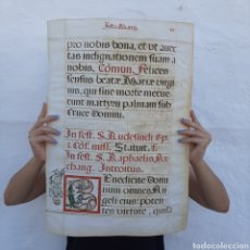 Manuscritos antiguos: SIGLO XVI GRAN HOJA PERGAMINO MANUSCRITA / 57CM X 40CM / 3 TINTAS / ANTIFONAR ANTIFONARIO. Lote 213563907