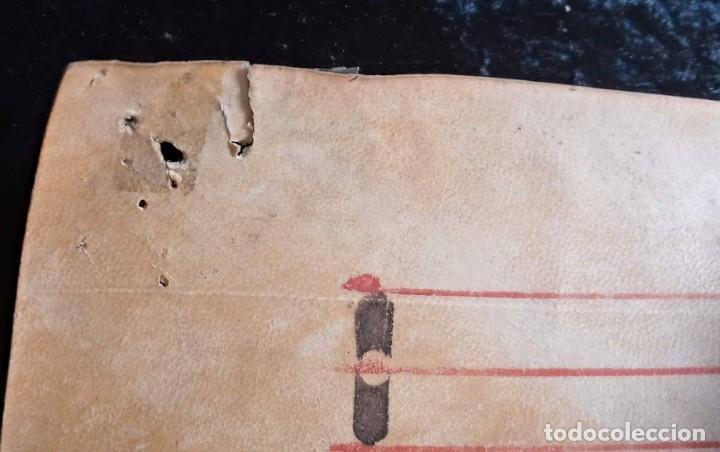 Manuscritos antiguos: HOJA CANTORAL PERGAMINO - PARTITURA MUSICAL - 3 COLORES - DOBLE CARA - GRAN FORMATO - 56x40cm - Foto 12 - 217173225