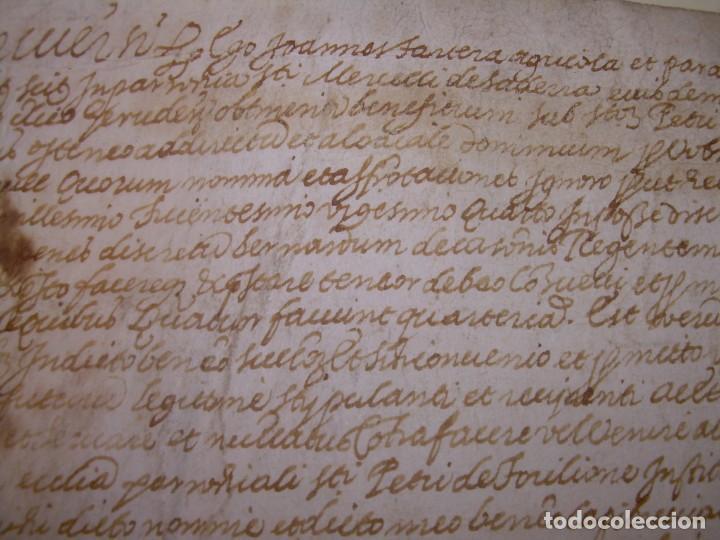 Manuscritos antiguos: ANTIGUA ESCRITURA DE PERGAMINO AÑO 1590 - GERONA - BESALU - VALLE DE OSTOLESIO. - Foto 3 - 224073383
