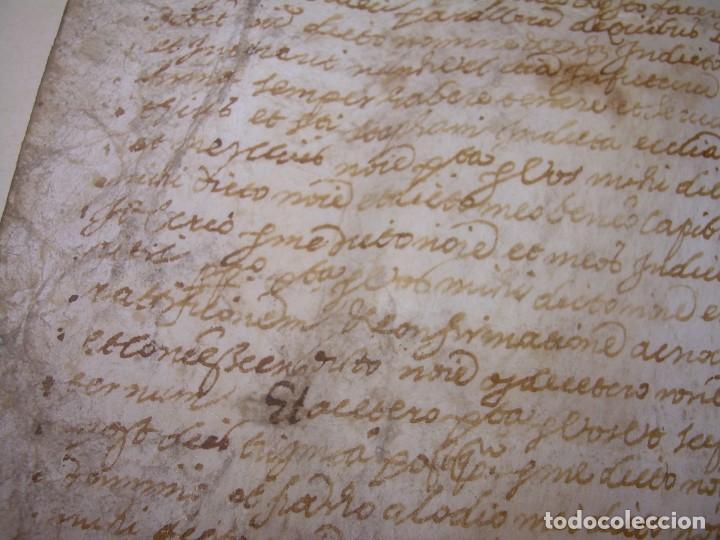 Manuscritos antiguos: ANTIGUA ESCRITURA DE PERGAMINO AÑO 1590 - GERONA - BESALU - VALLE DE OSTOLESIO. - Foto 11 - 224073383