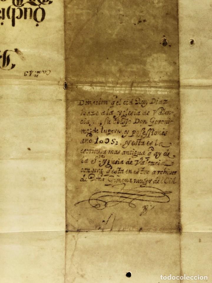 Manuscritos antiguos: Facsímil del Documento de donación del Cid a la Iglesia de Valencia - Rodrigo Díaz de Vivar - Foto 4 - 244178925