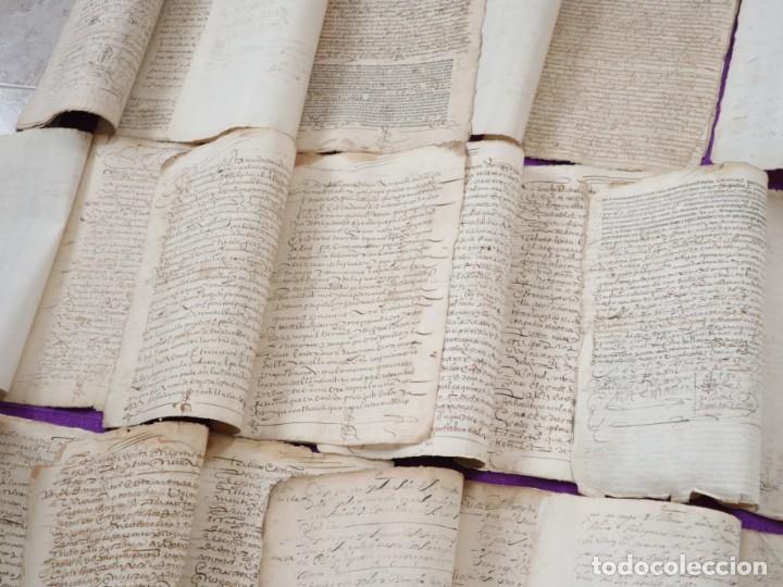 Manuscritos antiguos: Conjunto de 23 manuscritos relativos a la compra-venta de inmuebles. Siglos XVI-XIX. - Foto 7 - 244764245