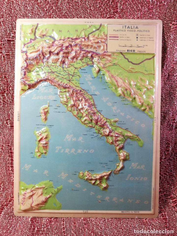 MAPA ESCOLAR COLEGIO ITALIA FISICO -LÁMINA DE PLÁSTICO EN RELIEVE. ED. RICO FIRENZE. AÑOS 60. (Coleccionismo - Mapas - Mapas actuales (desde siglo XIX))