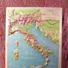 Mapas contemporáneos: MAPA ESCOLAR COLEGIO ITALIA FISICO -LÁMINA DE PLÁSTICO EN RELIEVE. ED. RICO FIRENZE. AÑOS 60.. Lote 175012317