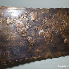Mapas contemporáneos: MAPA EXPLORACIONES DESCUBRIMIENTOS ENTRE 1492 1780 REPUJADO EN COBRE EXCELENTE ORFEBRERIA- REF-CV. Lote 179033428