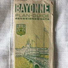 Mapas contemporáneos: BAYONNE PLAN-GUIDE 1970 RENSEIGNEMENTS - PLANO GUIA DE BAYONA 65X46CM. Lote 201718735