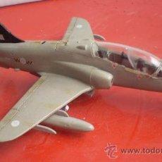 Maquetas: BRITISH AEROSPACE T.1 HAWK. RAF. ESCALA 1/72 + HS, ARNAS NODERNAS DEL MUNDO. Lote 33244836