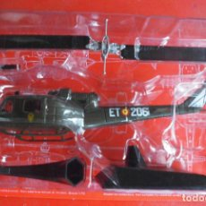 Maquetas: BELL UH-1B IROQUOIS, ESPAÑA. METAL ALTAYA ESCALA 1/72 & REVISTA. Lote 98671647