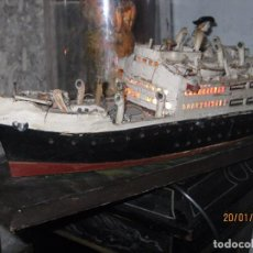 Maquetas: EXPOSITOR NAVAL ANTIGUO BARCO SIMIL A TITANIC ANTIGUO MADERA LUZ INTERIOR MARCA ALICANTE. Lote 73150227