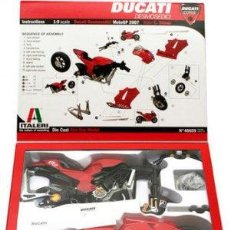 Maquetas: ITALERI - DUCATI DESMOSEDICI WORL CHAMPIONSHIP MOTO GP 2007 STONER 40659 1/9. Lote 110418935