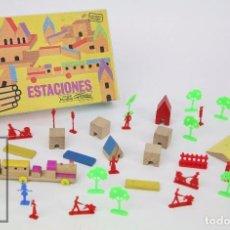 Maquetas: ANTIGUO JUEGO DE CONSTRUCCIÓN DE MADERA - URBIS. ESTACIONES / TREN - REF. 604 - AÑOS 70. Lote 103597403