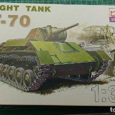 Maquetas: T-70 SOVIET LIGHT TANK TOGA 1/35 + PE SET EDUARD # 35892. Lote 99743475