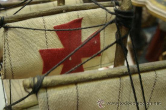 Maquetas: ANTIGUA MAQUETA DE UN BARCO (CARABELA ESPAÑOLA) EN MADERA Y VELAS DE TELA - Foto 5 - 34028225