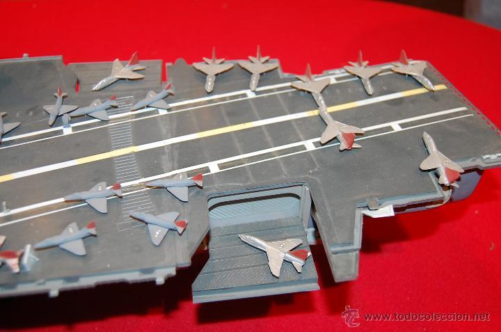 Maquetas: Portaaviones de la casa MONOGRAM, antigua. Escala 1/400 - Foto 5 - 39481384