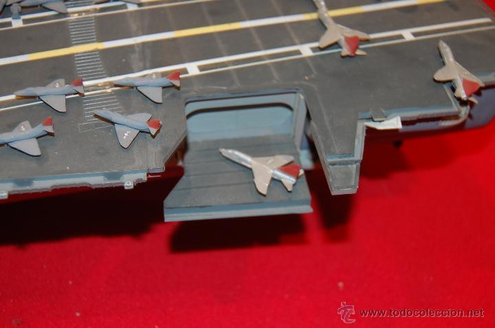 Maquetas: Portaaviones de la casa MONOGRAM, antigua. Escala 1/400 - Foto 6 - 39481384