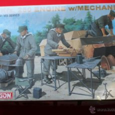 Maquetas: SD.KFZ.250 ENGINE W/MECHANICS (1/35 DRAGON) SOLDADOS ALEMANES WWII. Lote 41228445