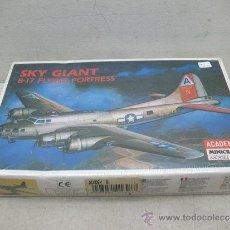 Maquetas: ACADEMY MINICRAFT REF: 2102 -MAQUETA DE AVIÓN PARA MONTAR SKY GIANT B-17 FLYING - ESCALA 1/240. Lote 50199977