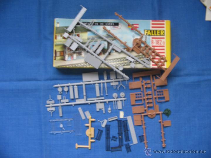 Maquetas: Faller. B-182/D. Caja + piezas. Accesorios de andén. Ver fotos. - Foto 6 - 40047274