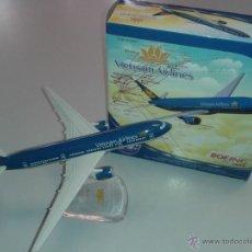 Maquetas: VIETNAM AIRLINES 777-200ER MAQUETA DE AVION METAL. Lote 51393730