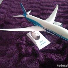 Maquetas: MAQUETA AVIÓN BOEING 787-8. Lote 62752760