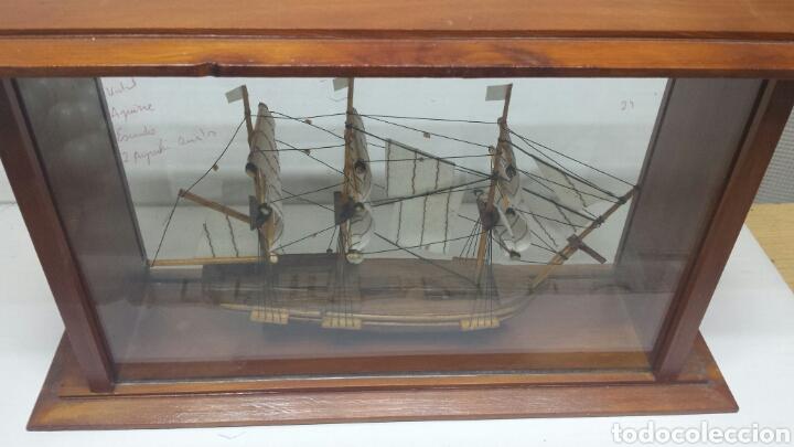 Maquetas: Maqueta antigua de barco en urna de cristal y madera - Foto 3 - 77547314