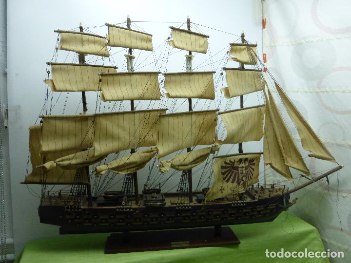 ANTIGUA Y ENORME MAQUETA DE BARCO FRAGATA AÑO 1780 - MÁS DE UN METRO DE LONGITUD - MADERA Y TELAS (Juguetes - Modelismo y Radiocontrol - Maquetas - Barcos)