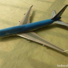 Maquetas: ANTIGUA MAQUETA DE AVIÓN BOEING 747-400 DE KLM REGISTRO PH-BFJ - GRANDE - 30 CENTÍMETROS. Lote 100444603