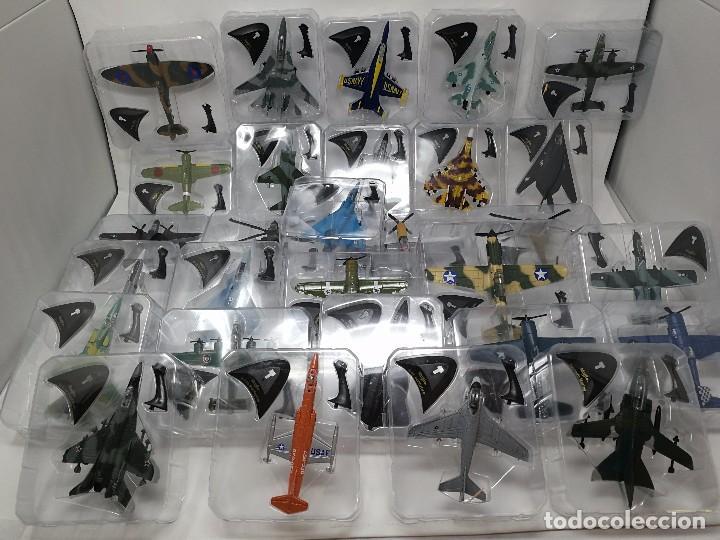 COLECCIÓN AVIONES DE COMBATE, 29 AVIONES MAISTO NUEVOS EN BLISTER, LIBRO FICHAS Y MUEBLE EXPOSITOR (Juguetes - Modelismo y Radio Control - Maquetas - Aviones y Helicópteros)