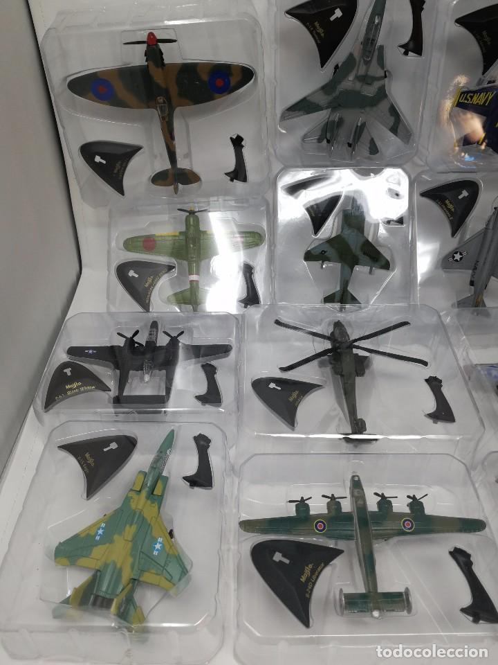 Maquetas: Colección aviones de combate, 29 aviones maisto nuevos en blister, libro fichas y mueble expositor - Foto 3 - 105444487