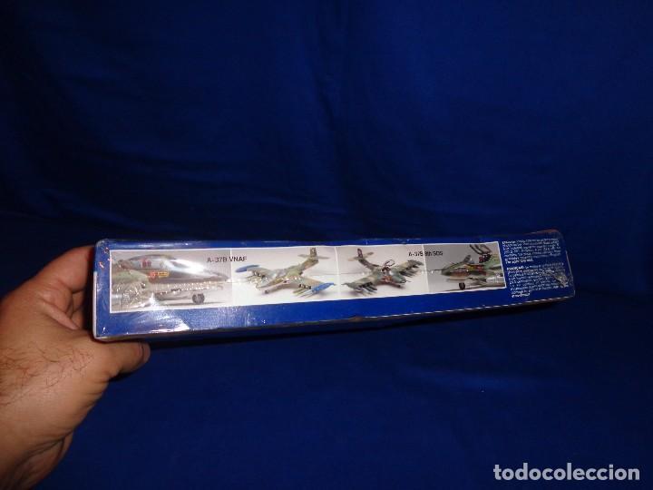 Maquetas: MONOGRAM - MAQUETA AVION A-37 DRAGONFLY SCALA 1:48 AÑO 1995 A ESTRENAR VER FOTOS Y DESCRIPCION! SM - Foto 5 - 105624275