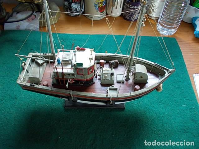 BARCO DE PESCA DE 38 CM (Juguetes - Modelismo y Radiocontrol - Maquetas - Barcos)