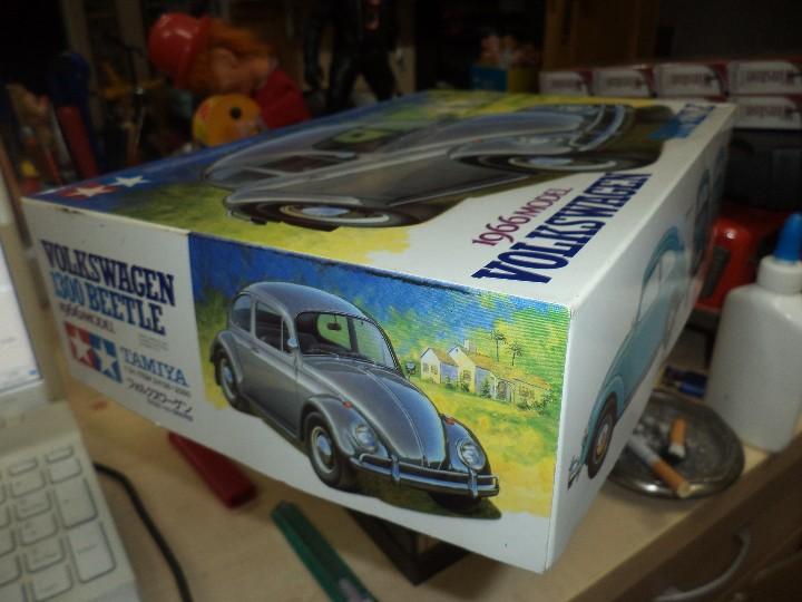 Maquetas: Maqueta de Volkswagen Beetle 1300 de 1966.Esc.1/24.Tamiya nº 166.Japan. - Foto 2 - 107720263