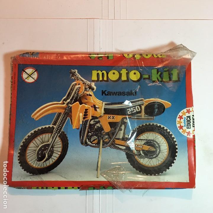 MOTO-KIT KAWASAKI DE EDUCA (Juguetes - Modelismo y Radiocontrol - Maquetas - Coches y Motos)