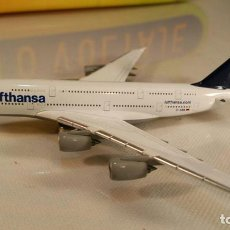Macchiette: AVION AIRBUS A380 LUFTHANSA MODELL (HERPA WINGS) METAL. Lote 111271859