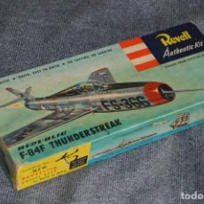 Maquetas: JOYA - VINTAGE - REVELL AUTHENTIC KIT - REPUBLIC F84F THUNDERSTREAK - H215 79 - AÑOS 50 - HAZ OFERTA. Lote 112228879