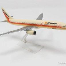 Maquetas: BOEING 757 DE AIR EUROPA - 23 CM DE LARGO. AÑOS 90. Lote 112775591