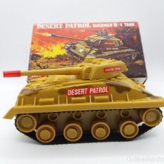 Maquetas: DESERT PATROL SHERMAN M-4 TANK BATTERY OPERATED BBP Nº 3003/F HONG KONG. Lote 117068331