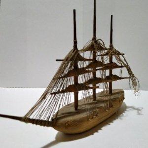 Decoración con barcos de madera