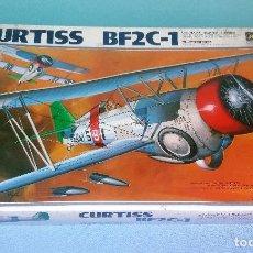 Maquetas: CAJA COMPLETA PARA MONTAR EL AVION CURTISS BF2C-1 HASEGAWA ESCALA 1:32 A ESTRENAR AÑO 1987. Lote 118368755