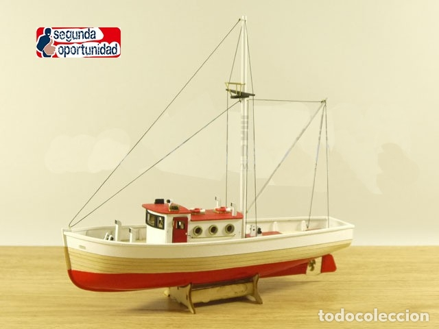 MAQUETA DE MADERA DE BARCO DE PESCA. TAMAÑO 24X22 CM (Spielzeug - Modellbau und Funksteuerung - Modelle - Schiffe)