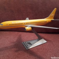 Maquetas: MAQUETA BOEING 737 - 800 COMPAÑÍA STERLING 20 CM. Lote 125272980