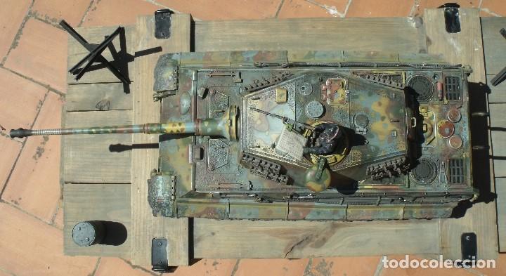 Maquetas: UNIMAX FORCE OF VALOR KING TIGER ESCALA 1/16 SD.KFZ. 182. 502 SS SCHWERE PANZER ABTEILUNG - 1:16 - Foto 9 - 125401627