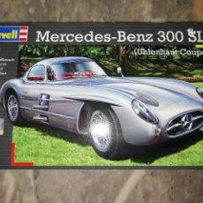 Maquetas: REVELL MERCEDES BENZ 300 SLR (UHLENHAUT COUPÉ) 1/24 NEW SEALED. Lote 128266827