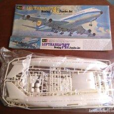 Maquetas: MAQUETA DEL AVIÓN DE PASAJEROS LUFTHANSA BOEING 747 JUMBO JET. REVELL, A ESCALA 1:144. 49CM.AÑOS 70.. Lote 126402292